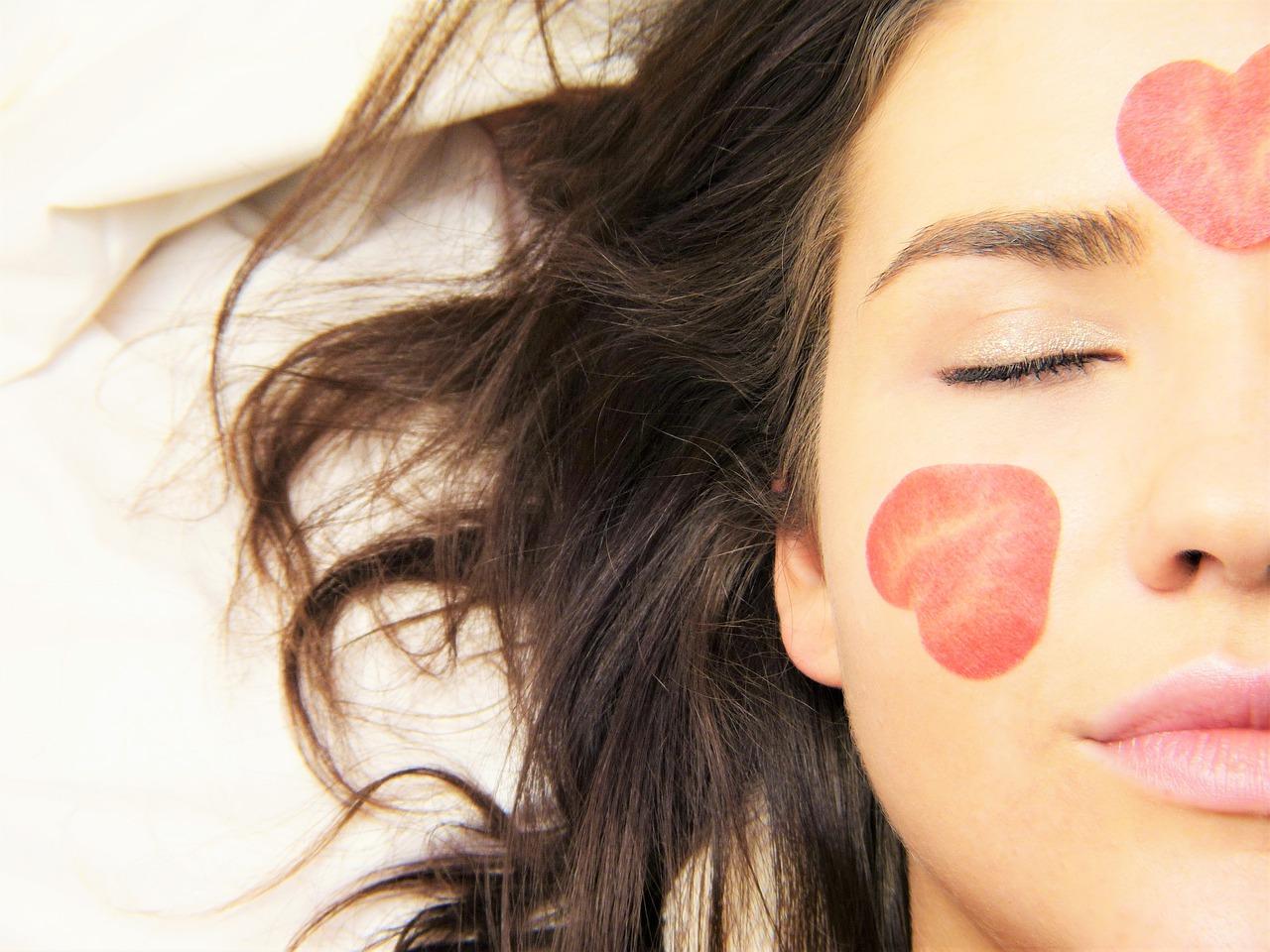お肌の劣化を防ぐスキンケアのイメージ画像